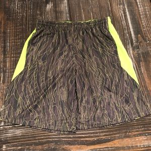 Under Armour Mens Shorts Size Large!!